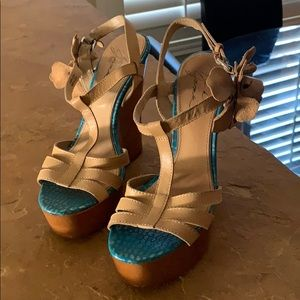 Mark & James  by Bagley Mischka nude wedges 8M